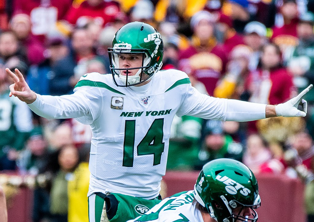 Jets trade Sam Darnold to the Panthers